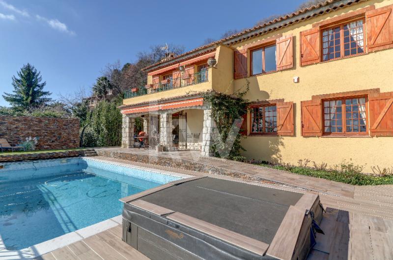 Maison de prestige TOURRETTES SUR LOUP, 200 m², 4 Chambres, 790000€