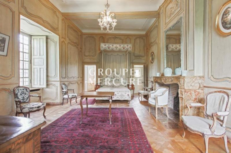 Prestige Castle ORCIVAL, 795 m², 12 Bedrooms, € 2 500 000