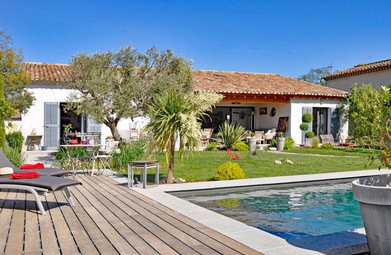 Maison de luxe à louer SAINT REMY DE PROVENCE, 170 m², 3 Chambres,