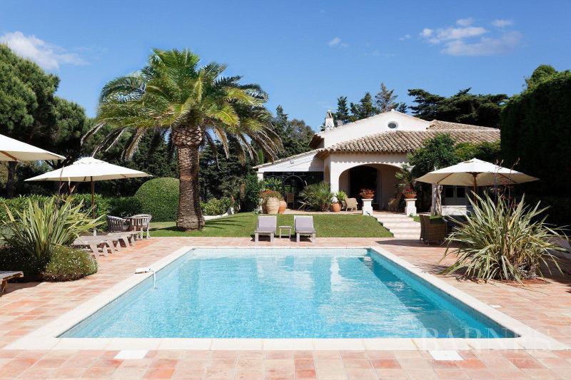 Maison de luxe à louer SAINT TROPEZ, 300 m², 6 Chambres,