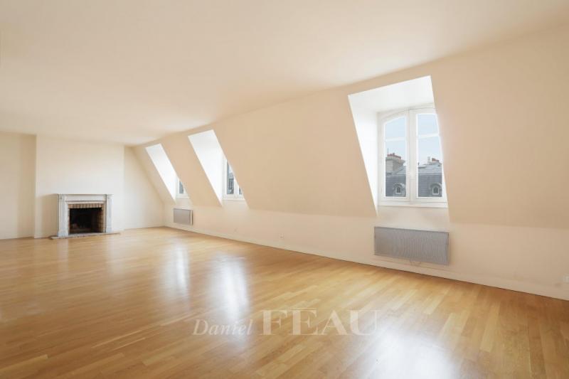 Appartement de luxe à louer PARIS 8E, 125 m², 3 Chambres, 4554€/mois