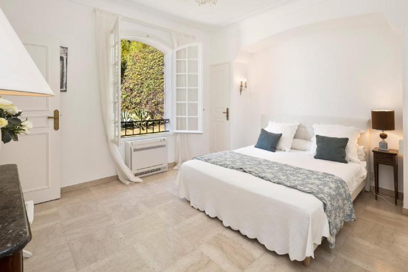 Casa di lusso in affito VALLAURIS, 300 m², 4 Camere,