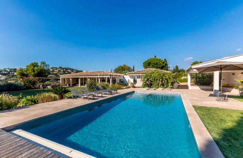Luxury House for rent CASSIS, 300 m², 6 Bedrooms,