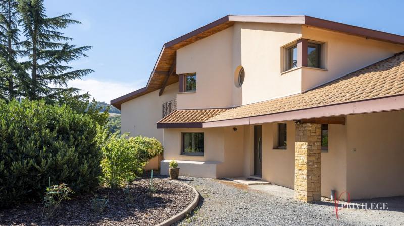 Sale Prestige House POLEYMIEUX AU MONT D'OR