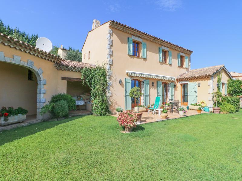 Villa de prestige SEILLANS, 237 m², 5 Chambres, 835000€
