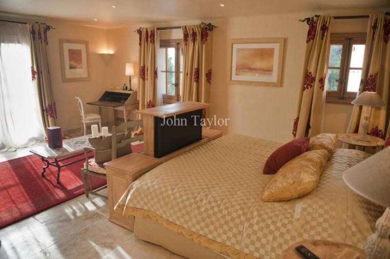 Casa di lusso in affito FREJUS, 430 m², 5 Camere,