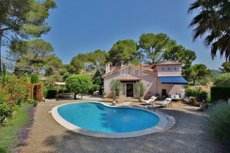 Location Villa de prestige MOUGINS