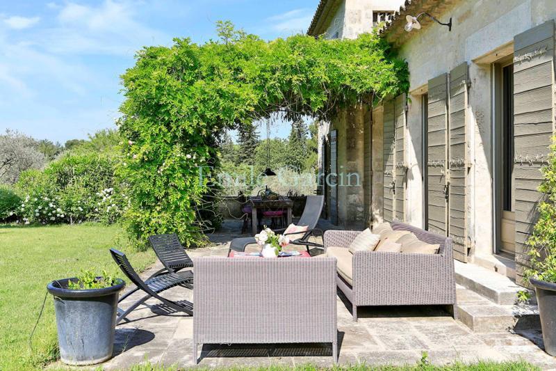 Maison de luxe à louer SAINT REMY DE PROVENCE, 350 m², 8 Chambres,