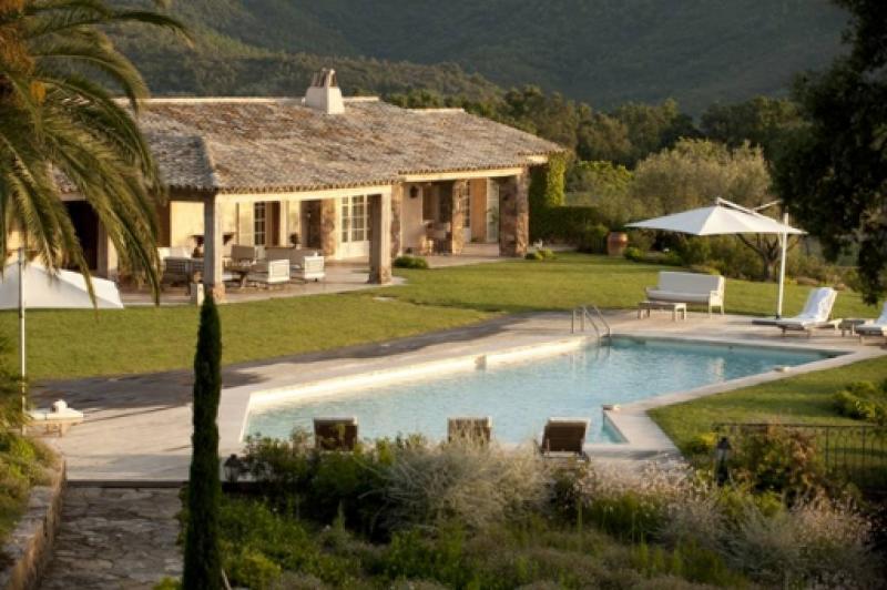 Casa di lusso in affito FREJUS, 500 m², 5 Camere,