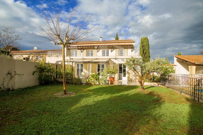 Casa di prestigio SAINT REMY DE PROVENCE, 270 m², 5 Camere, 1199000€