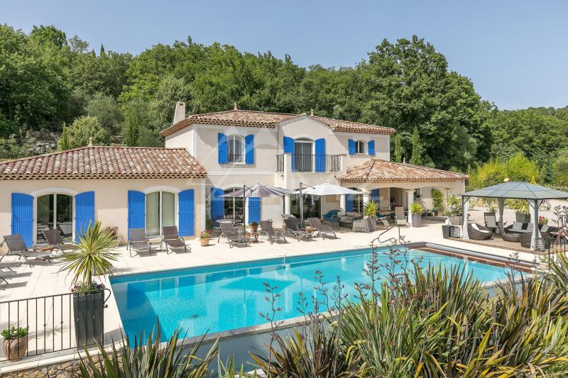 Verkauf Prestige-Villa MONTAUROUX