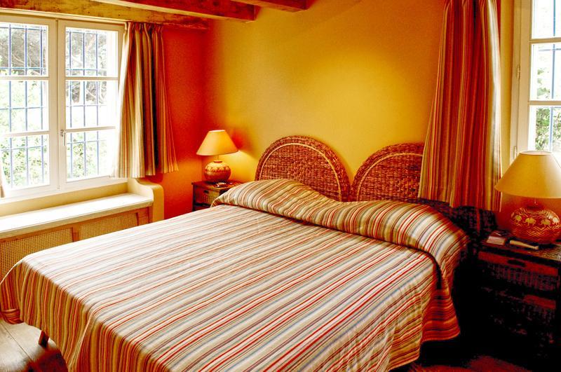Maison de luxe à louer SAINT TROPEZ, 280 m², 4 Chambres,