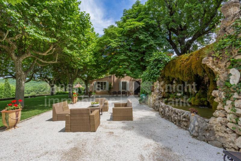 Farm de prestige SAIGNON, 480 m², 15 Chambres, 2550000€