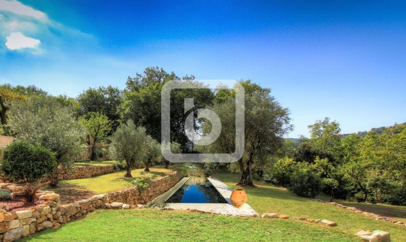 Propriété de prestige TOURRETTES SUR LOUP, 168 m², 4 Chambres, 995000€