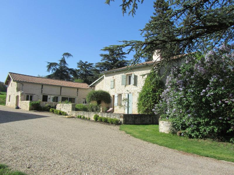 Prestige-Liegenschaft CASTELMORON SUR LOT, 348 m², 6 Schlafzimmer, 693000€