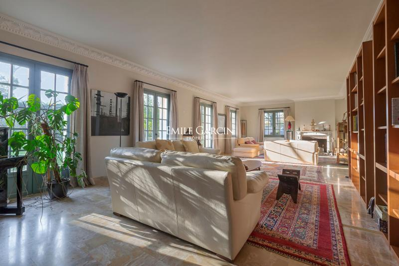 Sale Prestige Property FEUCHEROLLES