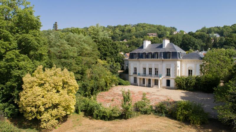Prestige-Schloss / Herrenhaus POISSY, 1900 m², 22 Schlafzimmer, 3700000€