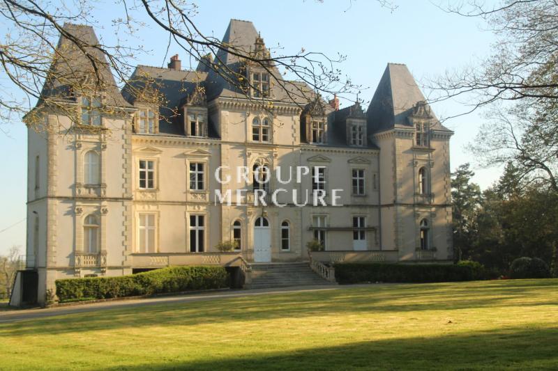 Vente Château / Manoir de prestige LAVAL