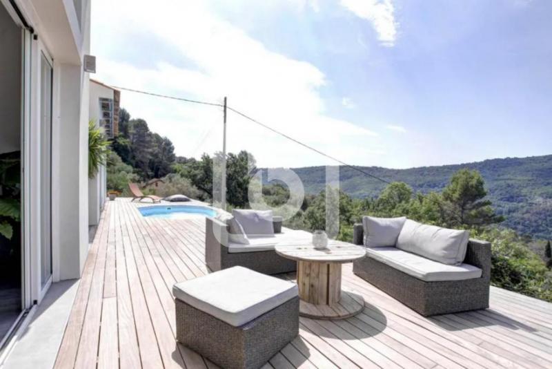 Villa de prestige TOURRETTES SUR LOUP, 147 m², 3 Chambres, 649000€