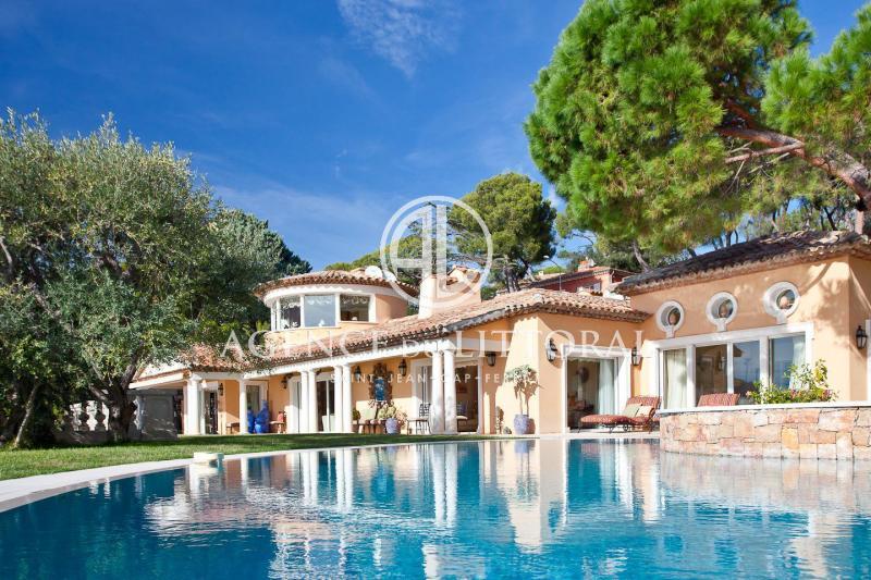 Maison de luxe à louer SAINT JEAN CAP FERRAT, 700 m², 6 Chambres,